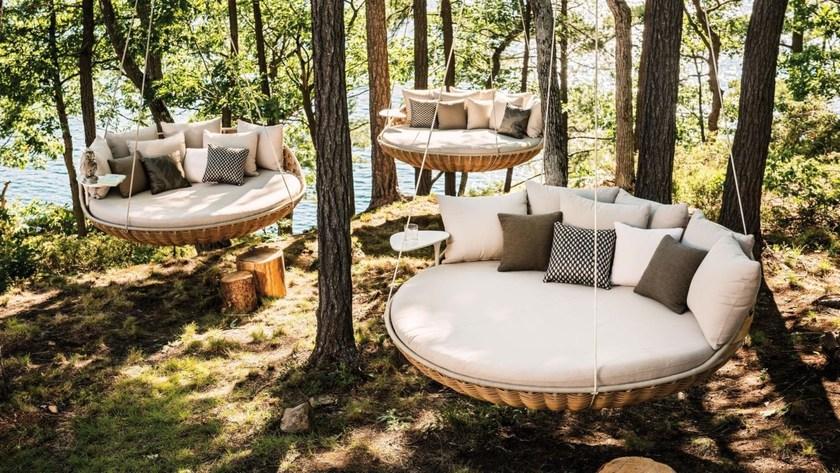 Swingrest 3 Seater Garden Hanging Chair By Dedon Design Daniel Pouzet Best Outdoor Furniture Patio Furniture Sets Outdoor Bed