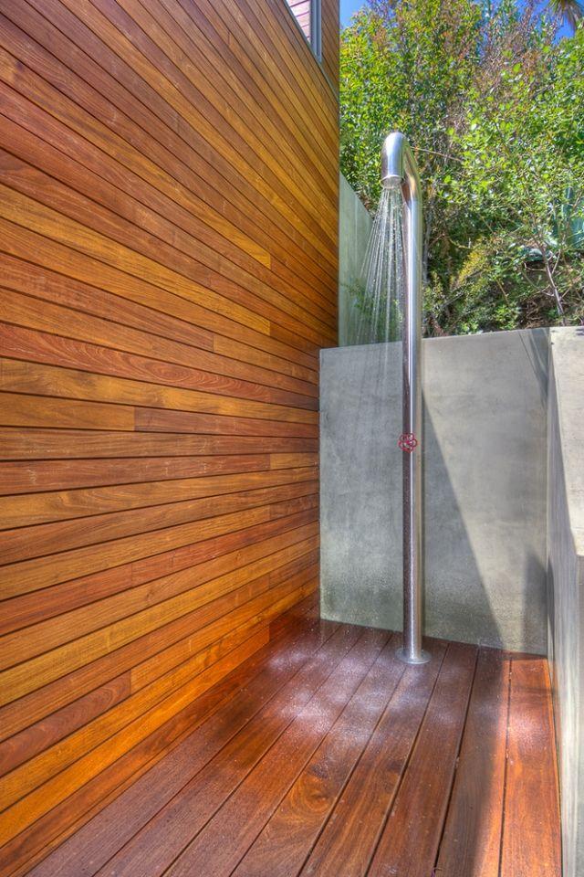 außendusche-begehbar design edelstahl Beton Sichtschutz halbhoch - sichtschutz fur dusche