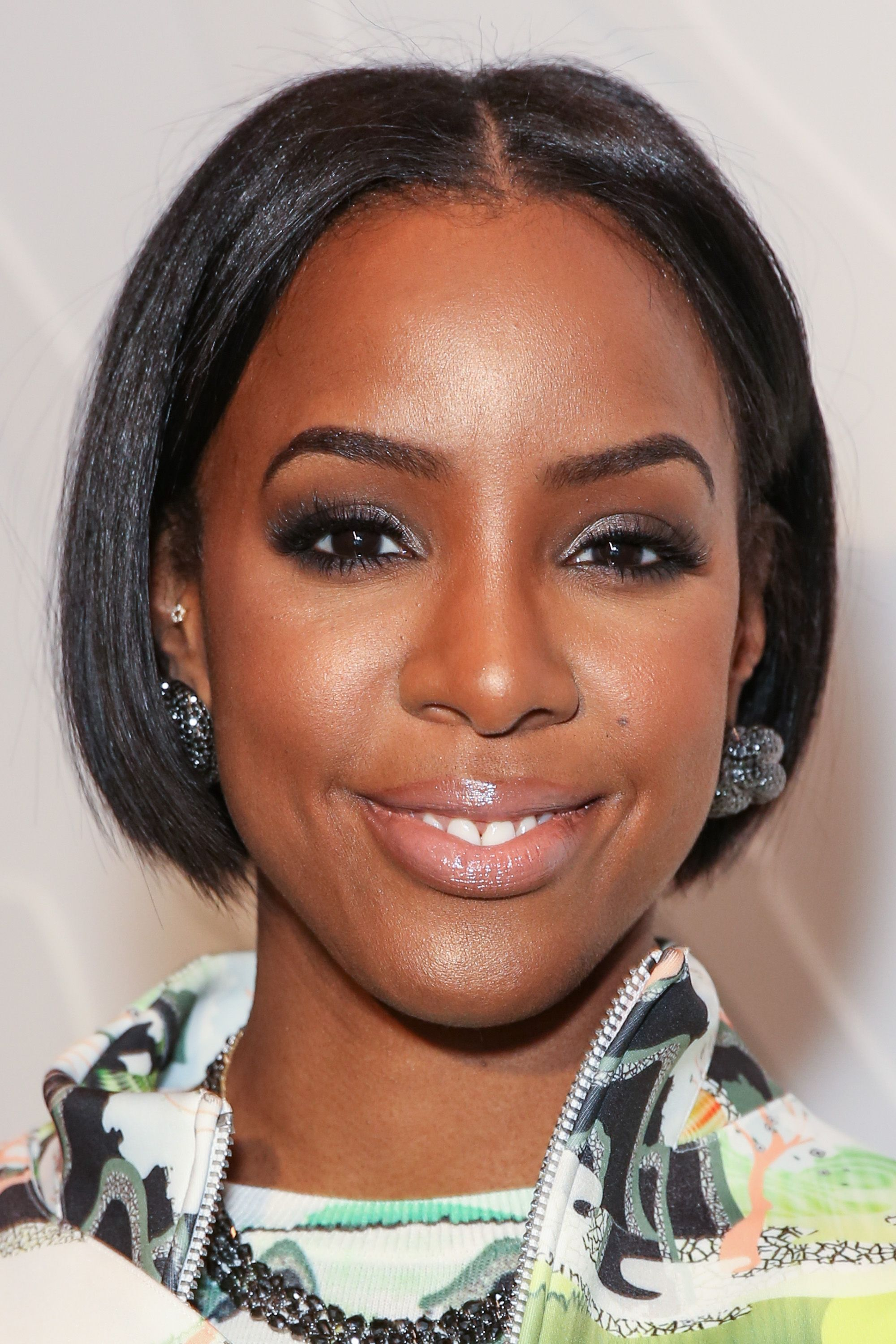 kelly rowland's new bob upstages the clothes at fashion week