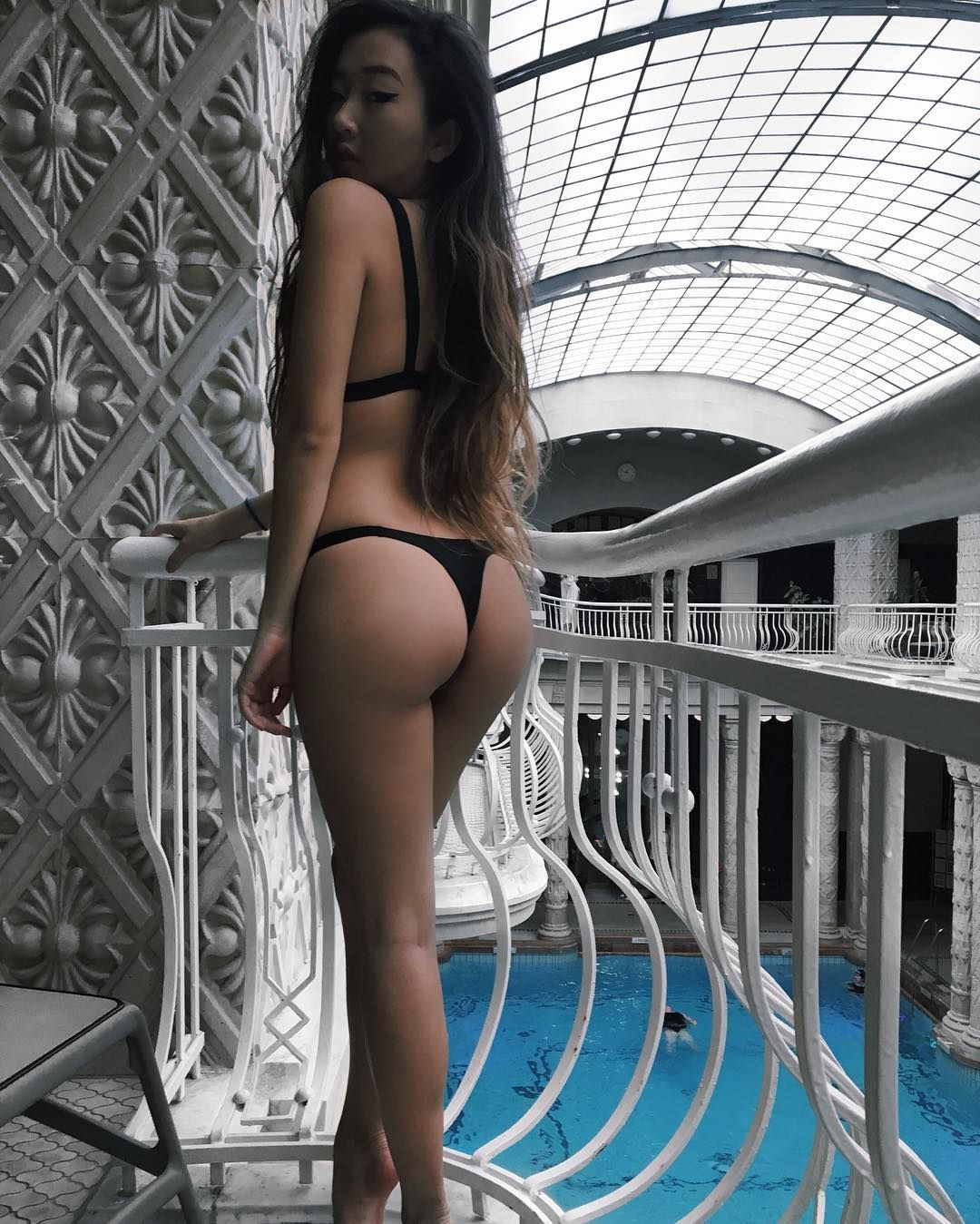 Pretty asian ass