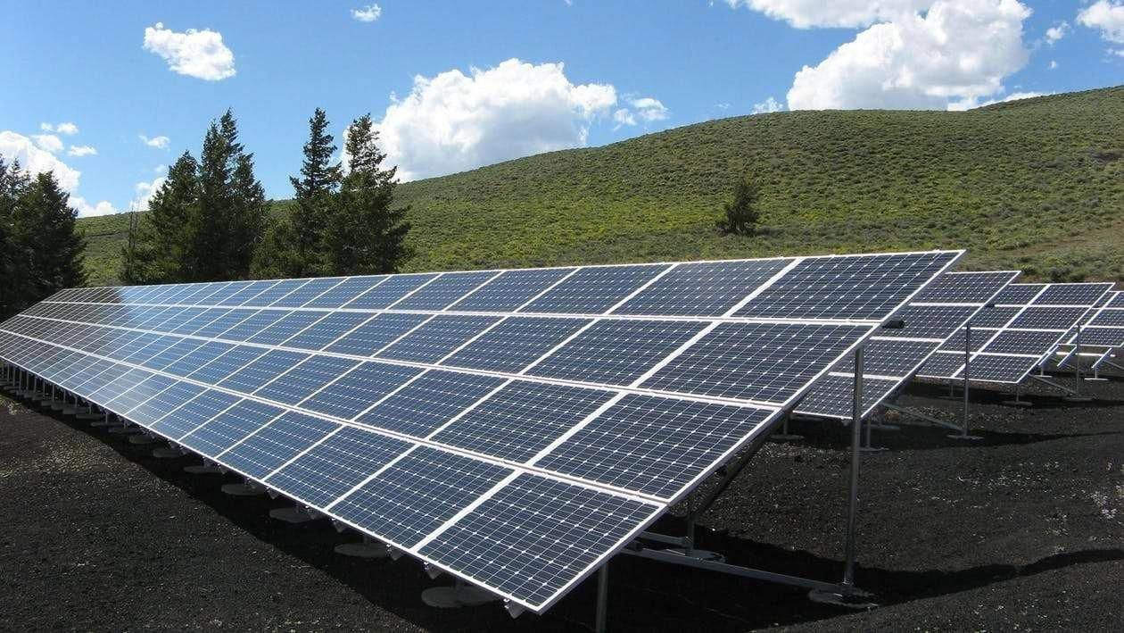 Green Energy For All Solar Energy 1kw Cost In India Deciding To Go Environmentally Friendly By Changing Ov In 2020 Solar Panels Solar Installation Best Solar Panels