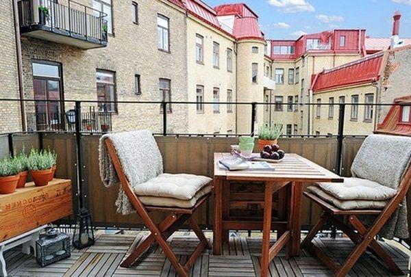 balkon fu boden holz rot stuhl essbereich idee wohnen. Black Bedroom Furniture Sets. Home Design Ideas