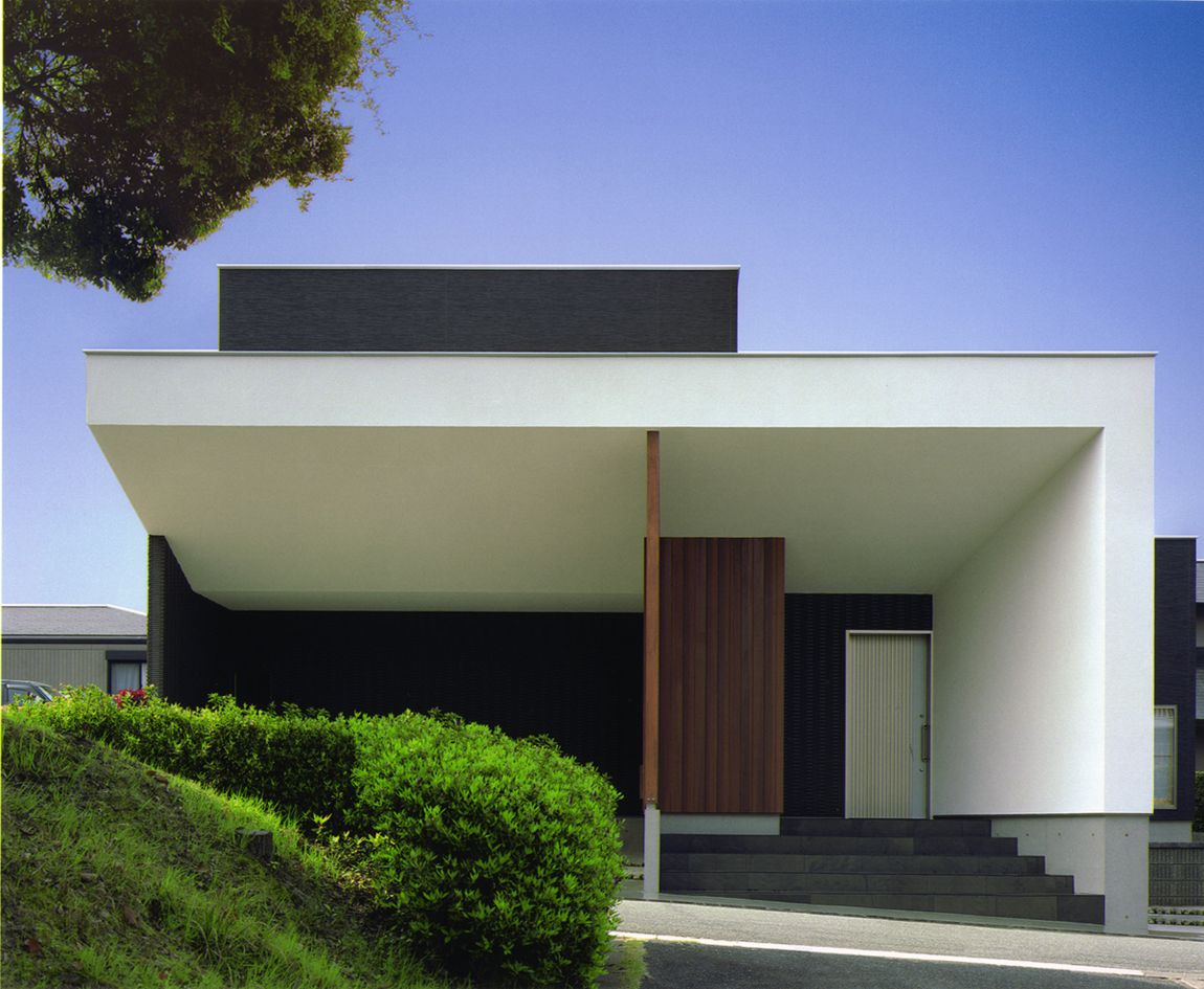 Bay window design exterior  thouse  house with light garden  by architect show coltd