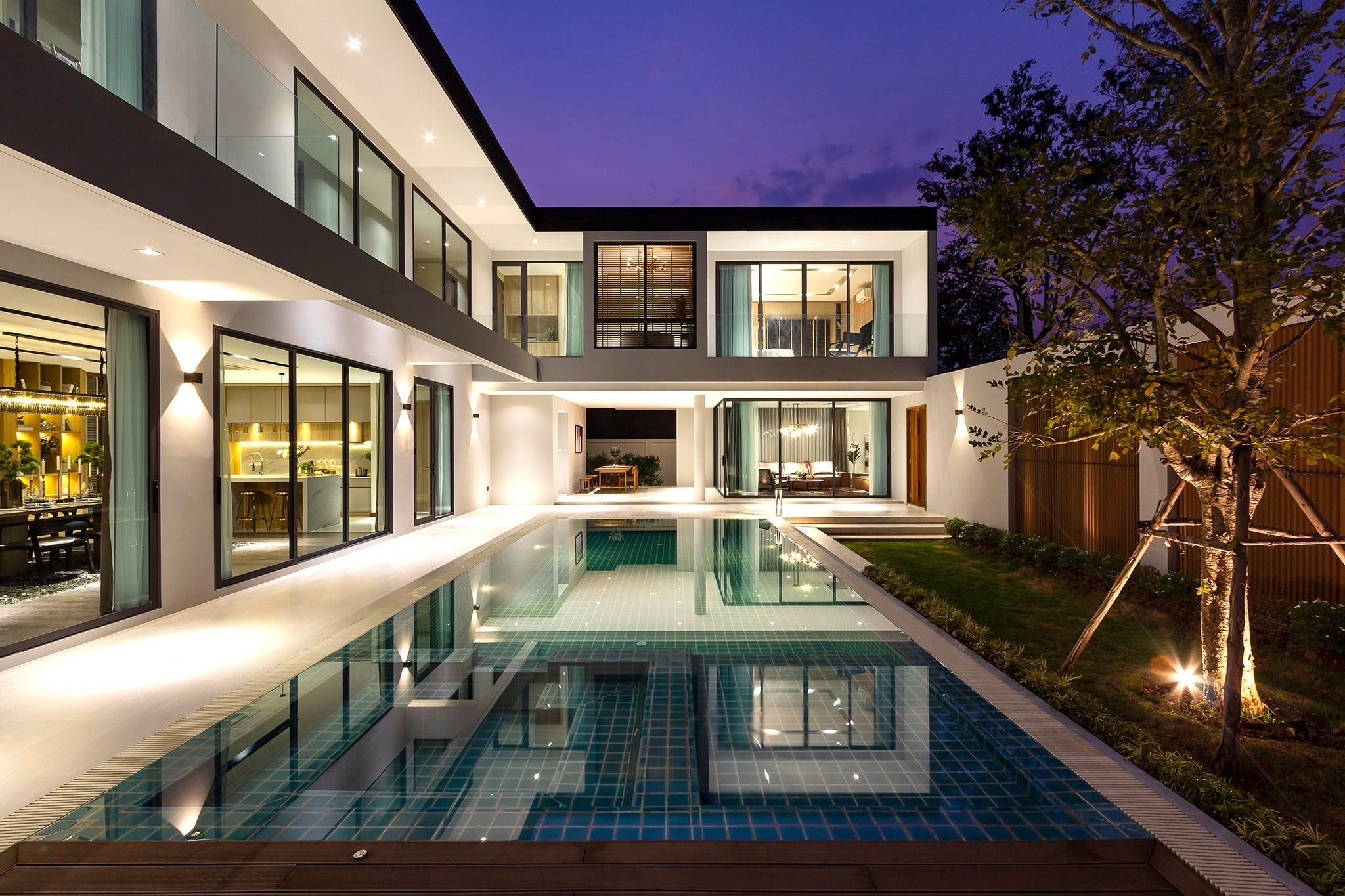 L Shaped Panoramic Windows House With Swimming Pool Modern Villa Design Hill Country Homes L Shaped House