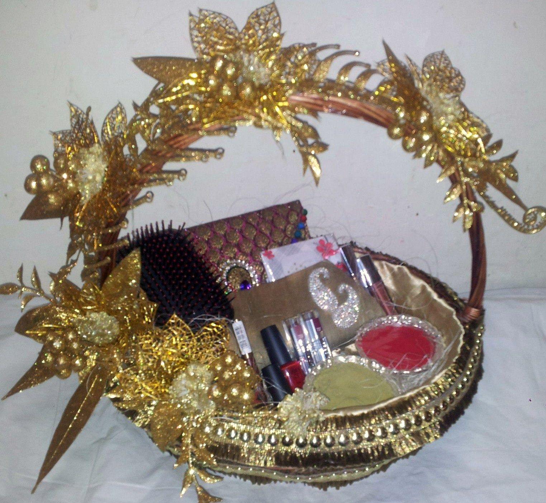 Wedding Gift Basket Ideas: Cosmetic Basket....