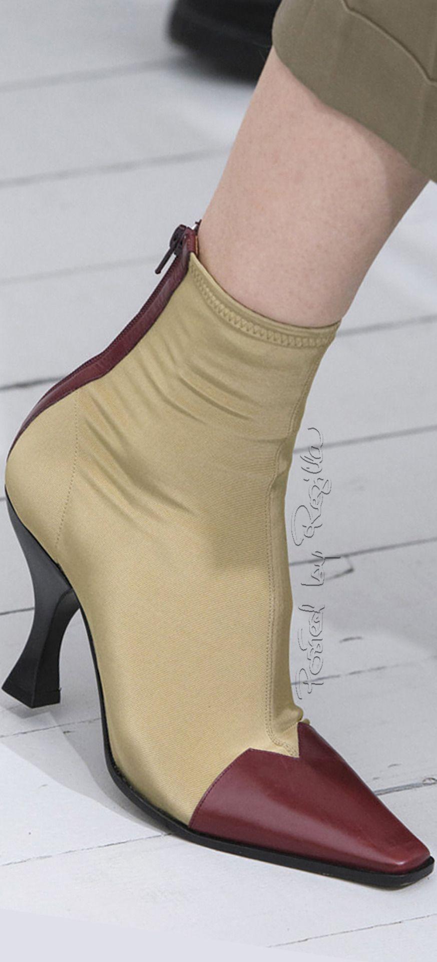 Regilla ⚜ Céline, Spring 2018 Fashion 2018 Trends, Fashion Brands, Pretty  Shoes, 4f687b05e53