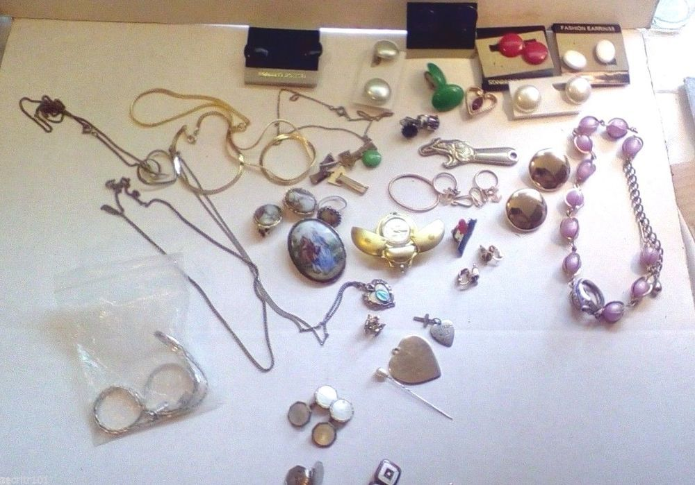 Large Vintage Lot  Mismatched Jewelry,Cuff Links,Necklaces,Pendants,Earrings