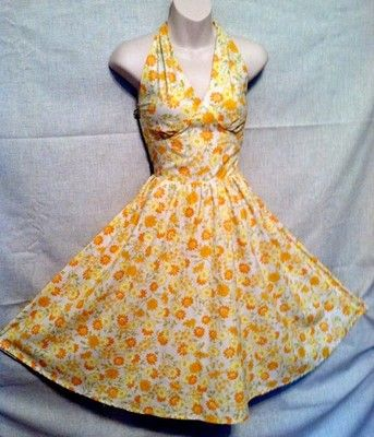 Zachary Smile One of a kind dress made with vintage daisy fabric! Cotton, soft, pastel, pin up Dress- Gorgeous!