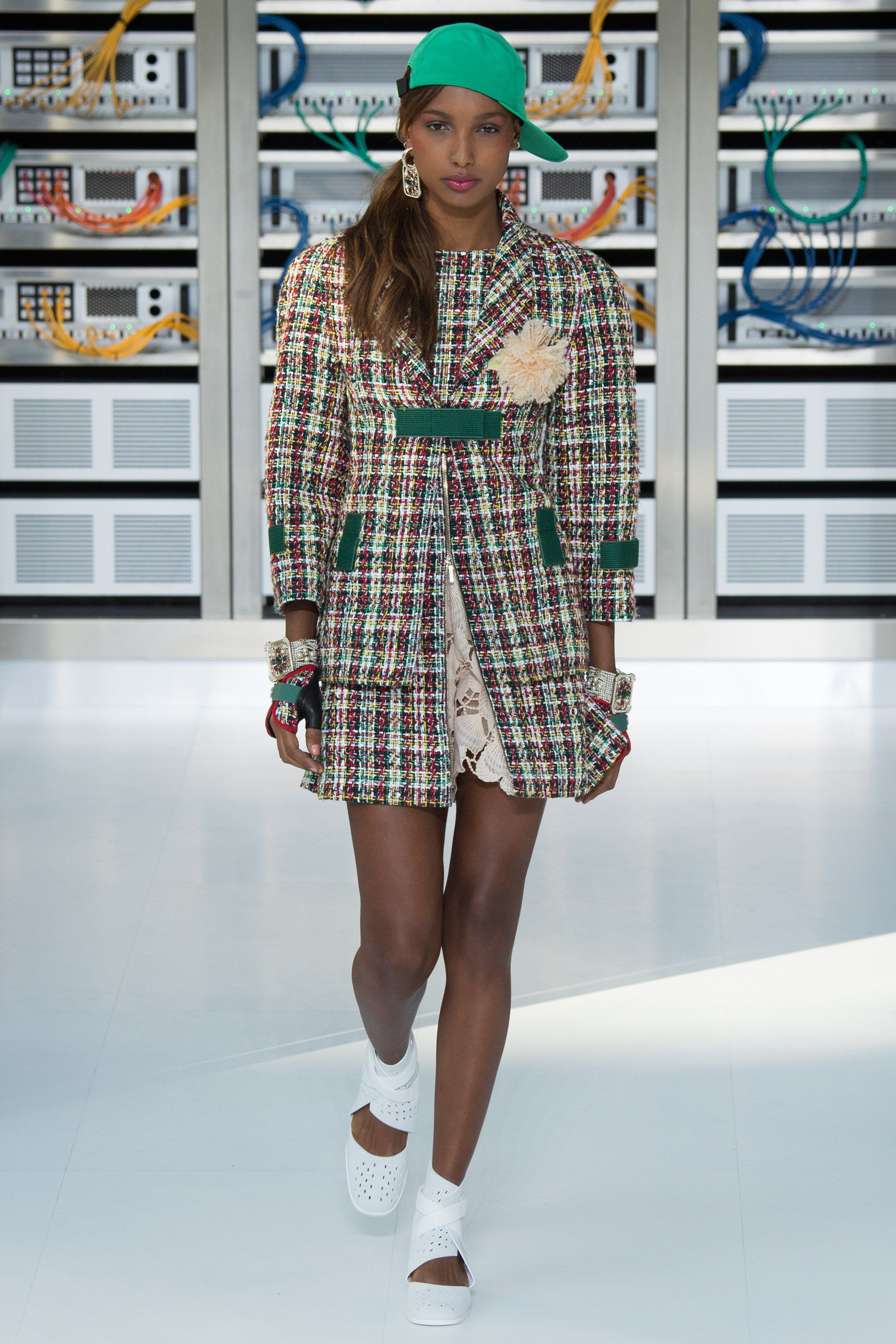 c167756af5  Chanel  fashion  Koshchenets Chanel Spring 2017 Ready-to-Wear Collection  Photos - Vogue