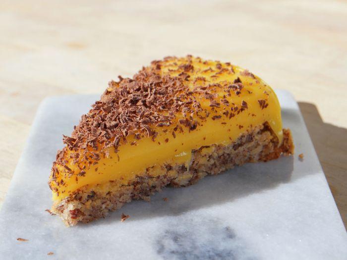 Gluten free cake with vanilla curd