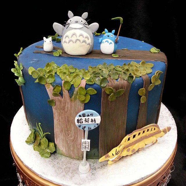 Totoro cakes