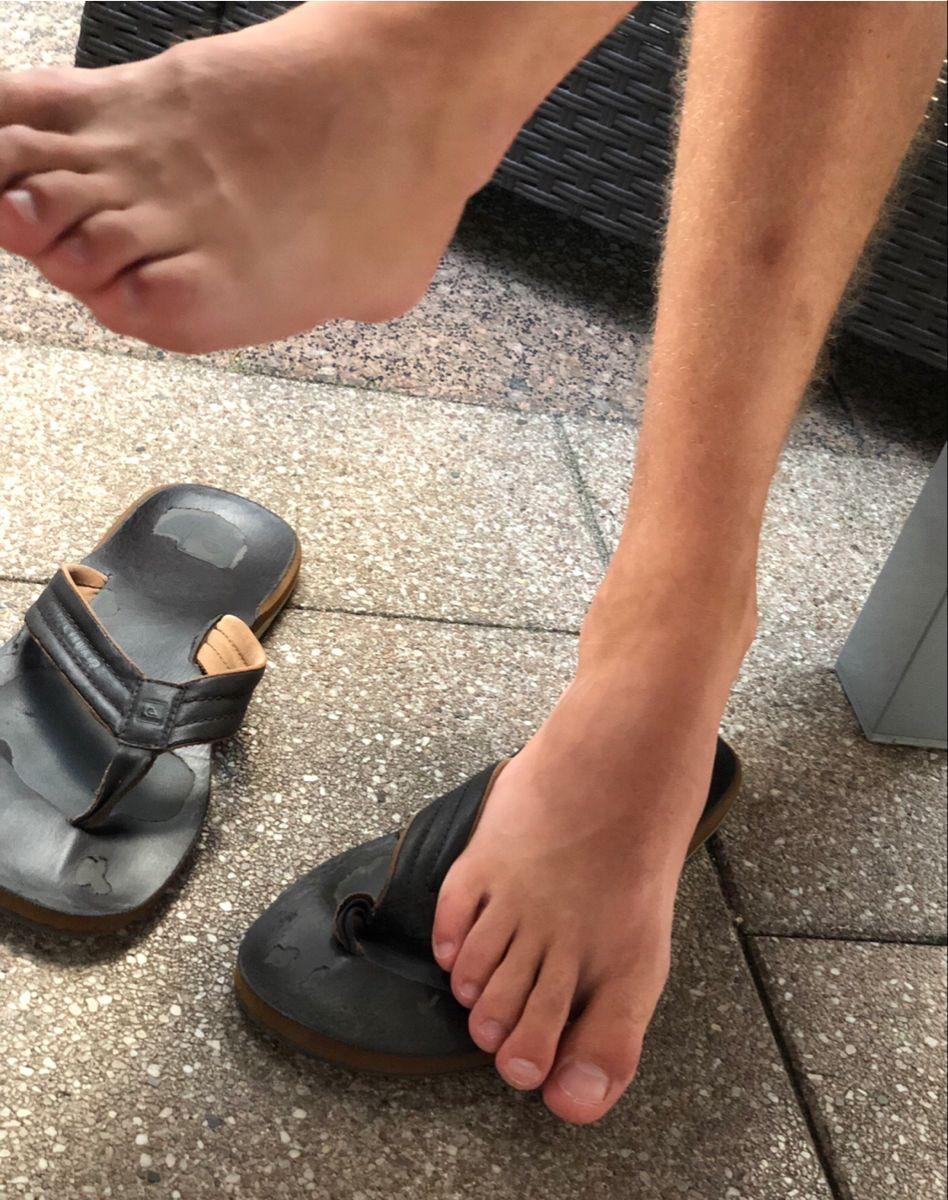 Flip-Flops Take It In