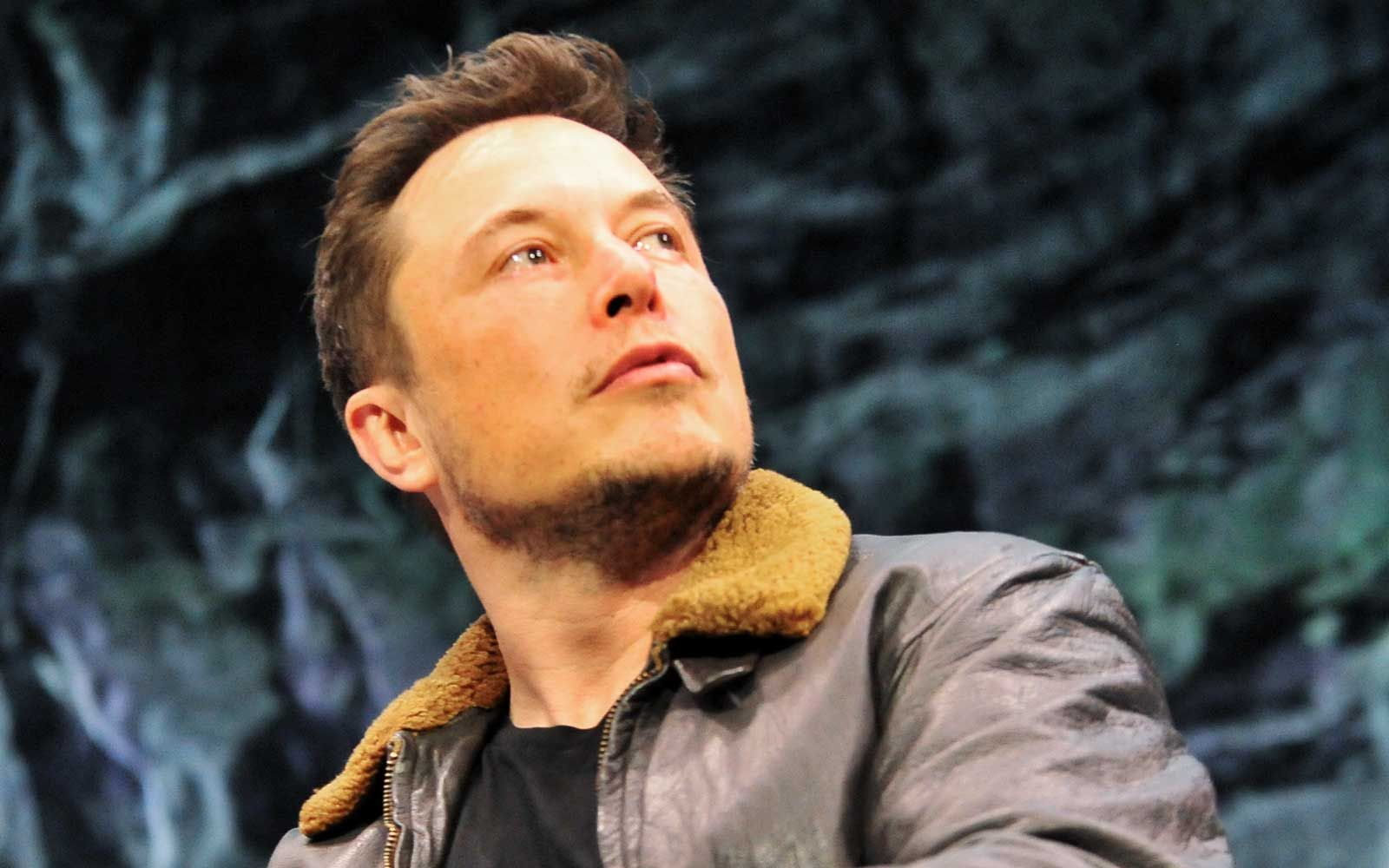 Elon Musk Says Test Flights for Travel to Mars Could Start