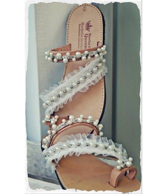 b6da4e0b019 Χειροποίητα νυφικά σανδάλια από γνήσιο δέρμα στολισμένα με στρασιέρα από  κρύσταλλα, πέρλες, χειροποίητη δαντέλα