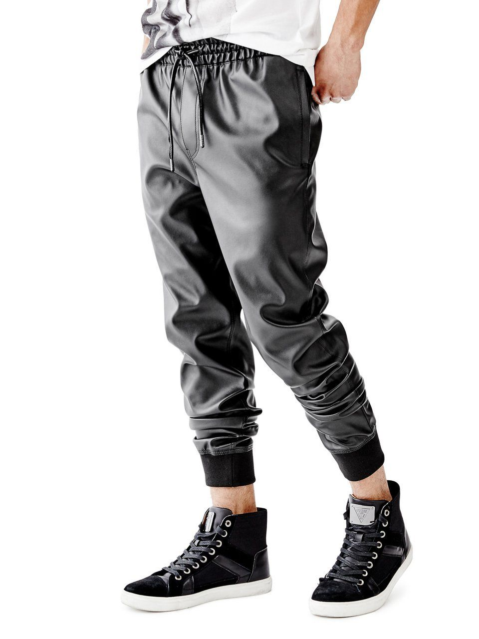 68b4a5d9ee2b2 Amazon.com: GUESS Men's Neil Faux-Leather Jogger Pants: Clothing ...