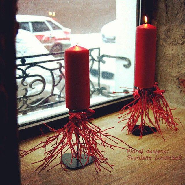 Самое красивое - в простоте. Новогоднее оформление витрины мебельного салона #КраснаяМосква #красныйзначиткрасивый #flowerdesign #fiori_studio #свеча #витрина #стильныевещи #сказочнаяистория #89252988378 #будьярким #будьнежным #fiori_studio
