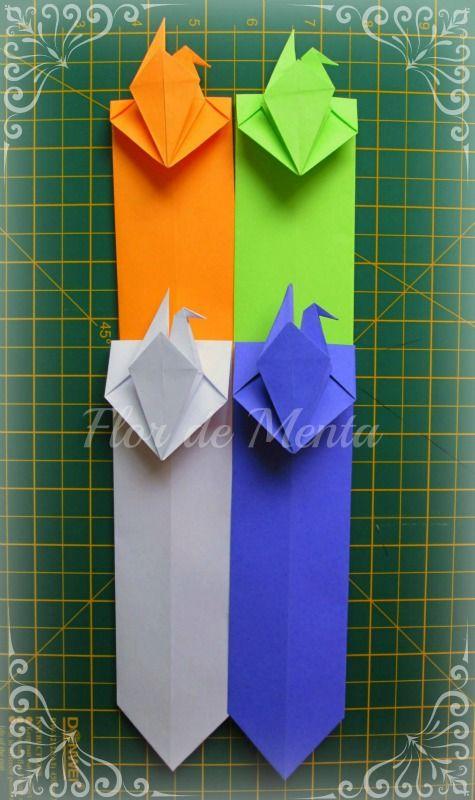 ◤ Marcador de página em Origami com Tsuru ◥      Autor desconhecido (caso tiverem a informação, entre em contato para dar os devidos créditos)     Execução: Margareth Mazzilli     Junho/2013  Blog: http://flordementa.blogspot.com.br/