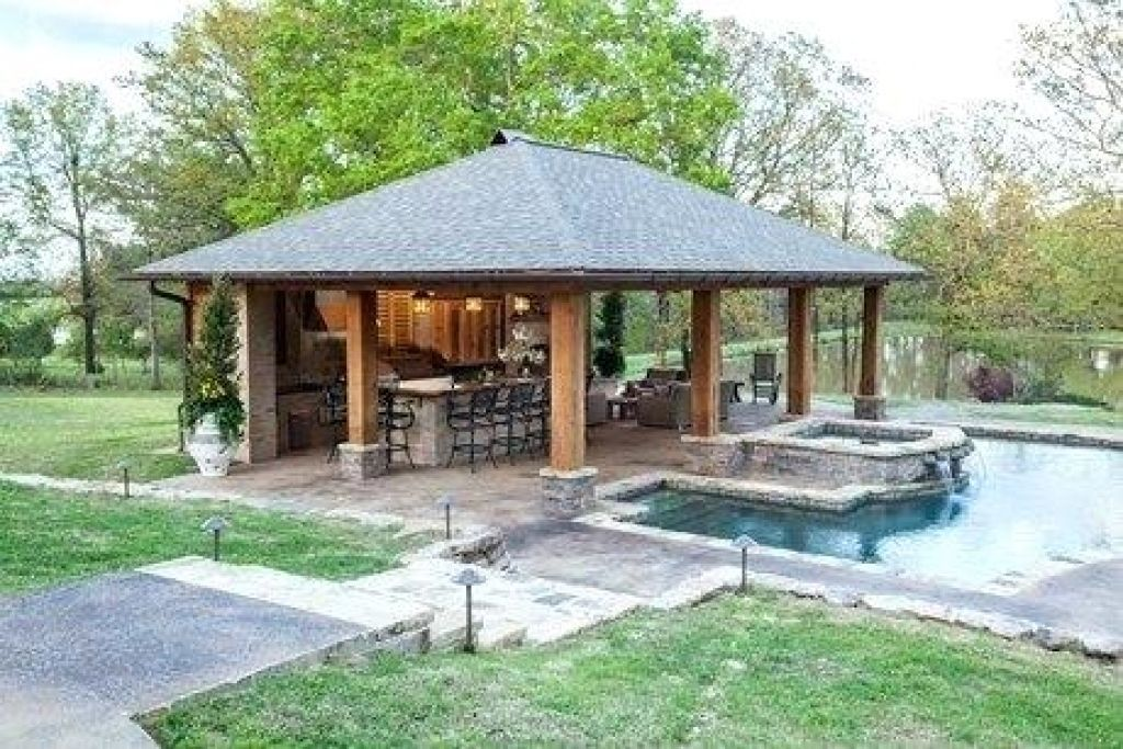 4 Simple Backyard Landscaping Ideas