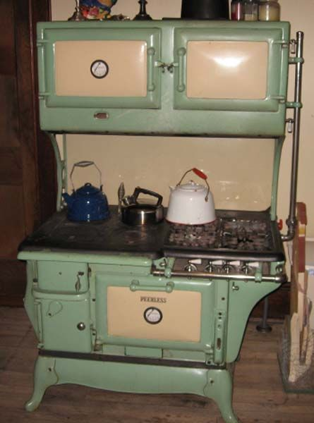 Antique+stoves.+wood+and+gas | Peerless Kalamazoo Gas/Wood Dual Fuel  Antique Cook Stove: Grn