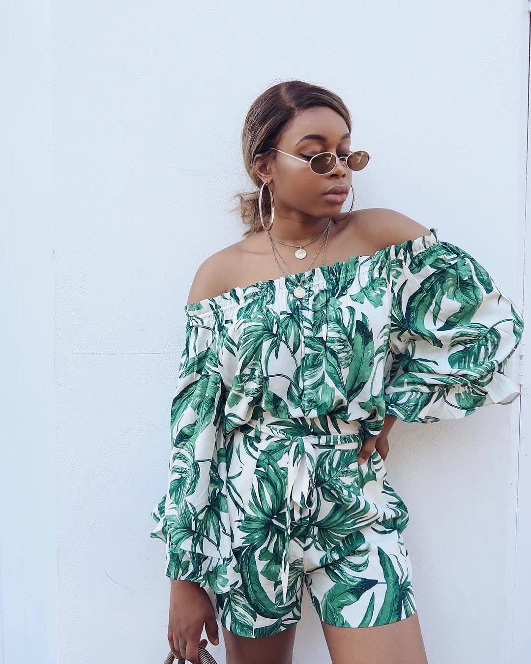 10210558a42a THIS is how you rock the tropical trend! 🌴 Tap the image to shop   sharayethomas look.  HM  HMxMe