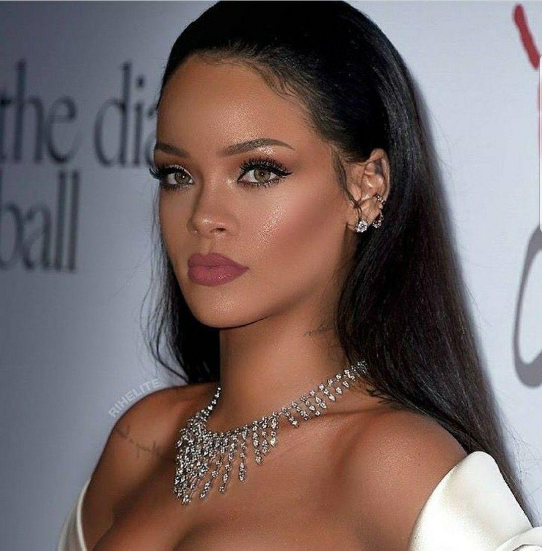 Snatural Glam Rihanna Hairstyles Rihanna Makeup Classy Makeup