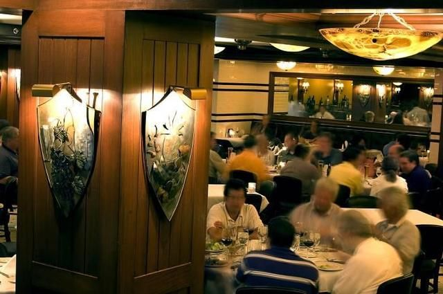 Ie Brennan S Steakhouse A Grand Dining Experience In The French Quarter Www Iebrennanssteakhouse