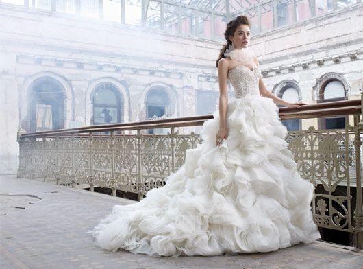 Ivory Organza Flounce Bridal Ball Gown Sweetheart Neckline Sheer Alencon