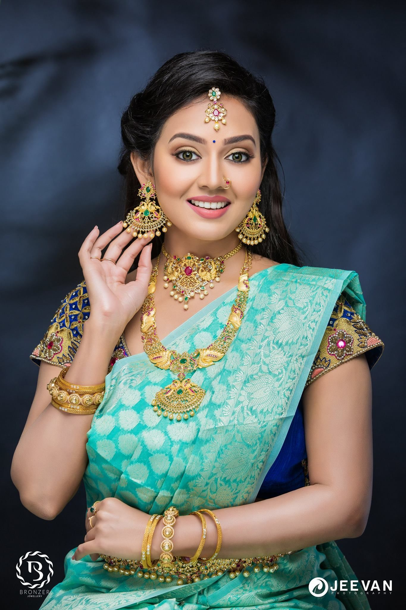 """Brides, you really ought to take note of these bridal looks done by the team for a magazine called """"Aval Manamagal"""". Styling the model in different looks ..."""
