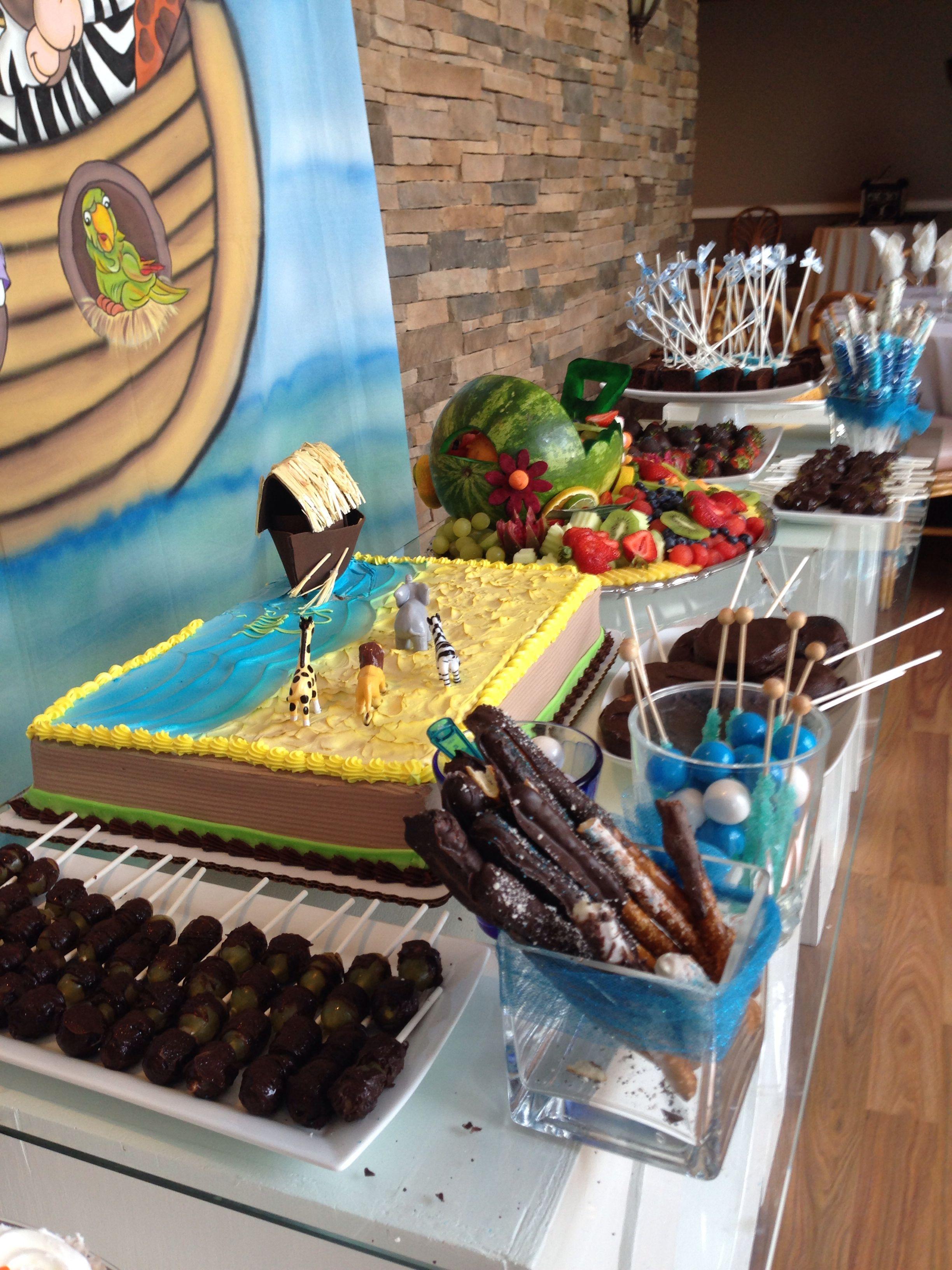 Cute and simple Noah's ark cake