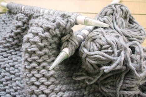 How To: Make Your Own Knitted Pouf | Knitting patterns ...