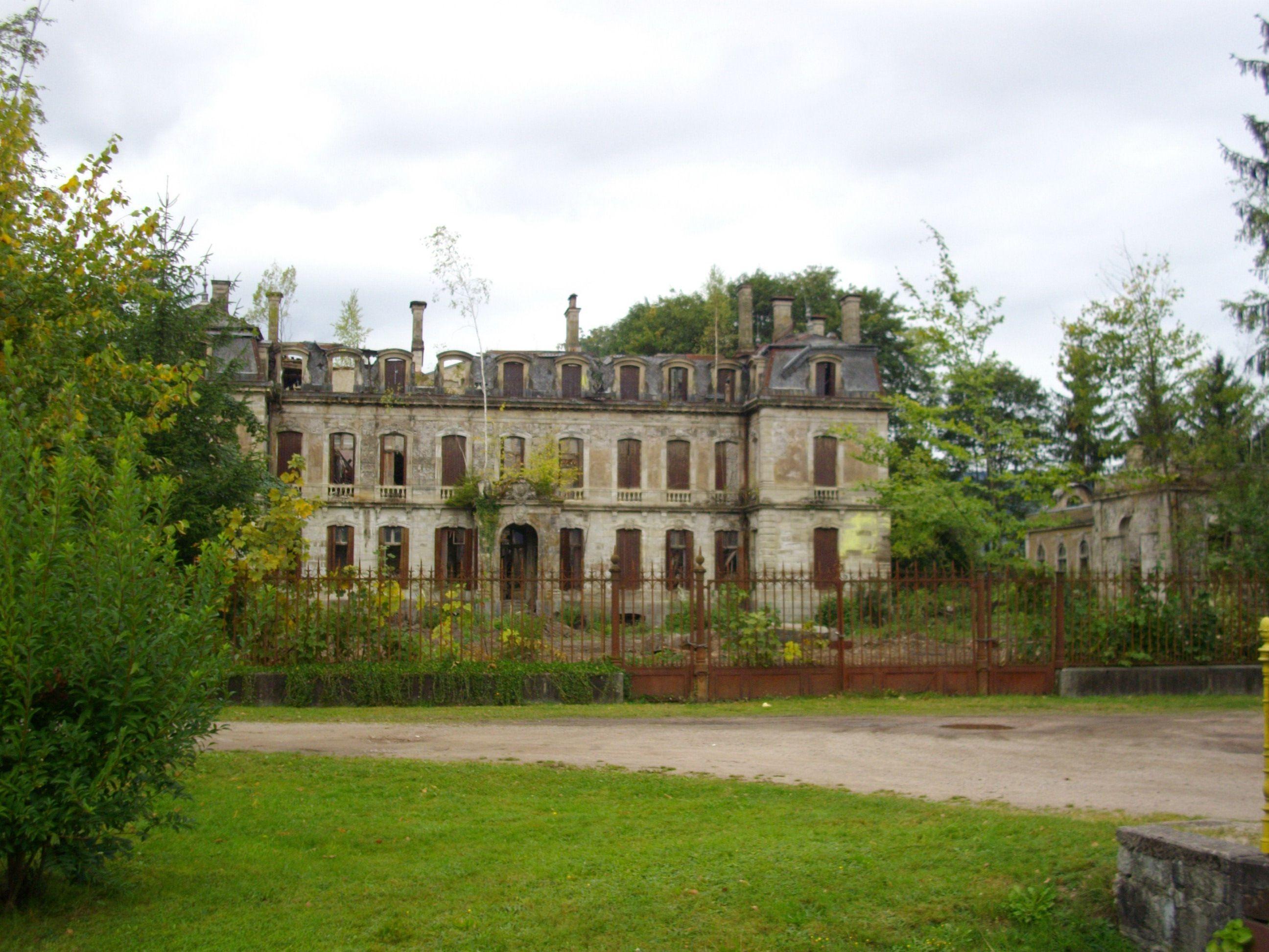 Chateau De Saulxures Vosges France 2592x1944 Abandoned Castles