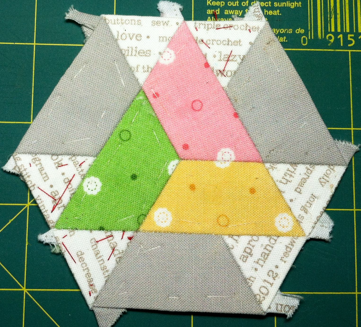 Kristin's Quilts and Stuff: Tips on EPP, Basting Triangles ... : quilting triangles tips - Adamdwight.com