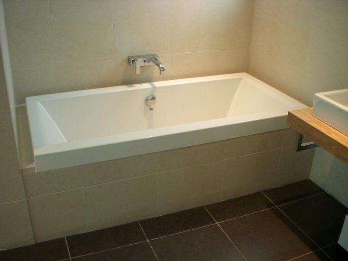 Narrow soaking tub for a smaller bathroom. - Soaker Tub Love - 10 ...
