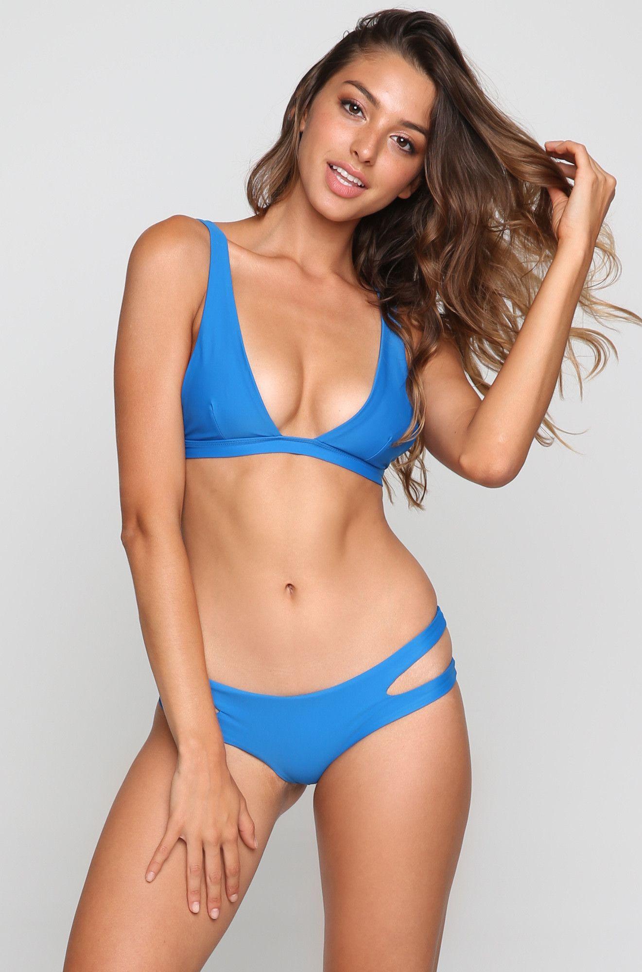 model bikini Bernadette