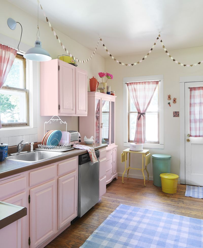 behind the scenes with hgtv magazine pink kitchen cabinets pink cabinets decor on kitchen decor pink id=83889