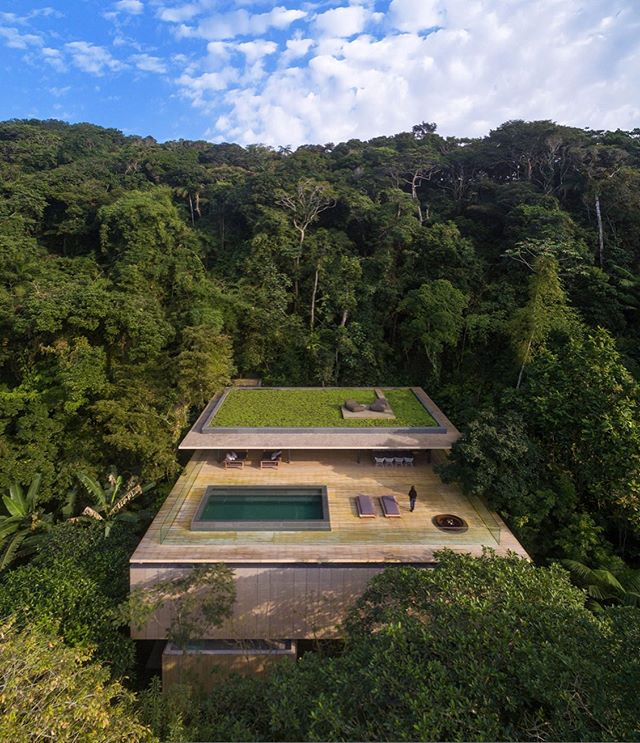 Instagram 上的 Architecture & Living:「 Swipe left! What do you think? 😍 The Jungle House is an 805 sqm