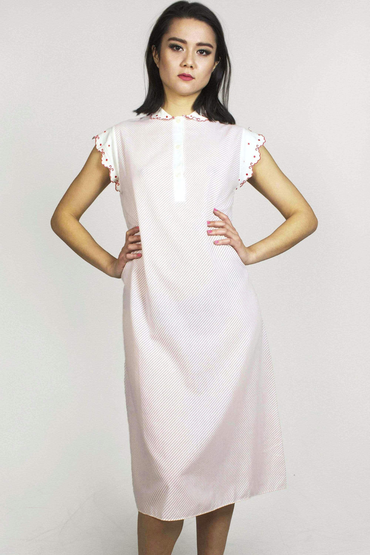 Red And White Striped Polka Dot Shift Dress By Venere In 2021 Dresses Shift Dress Vintage Summer Dresses [ 3000 x 2000 Pixel ]