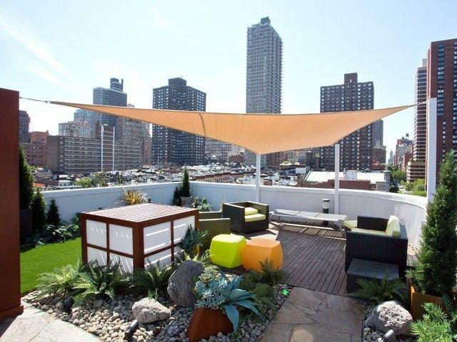 sonnenschutz balkon dachterrasse gestaltungsideen sommer balkon pinterest sonnenschutz. Black Bedroom Furniture Sets. Home Design Ideas