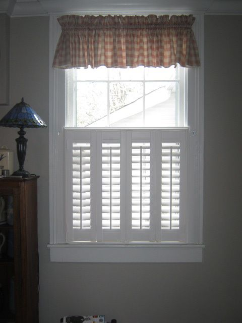 Plantation Shutter With Valance Dining Room Life Pinterest Valance Room And Cafe Style