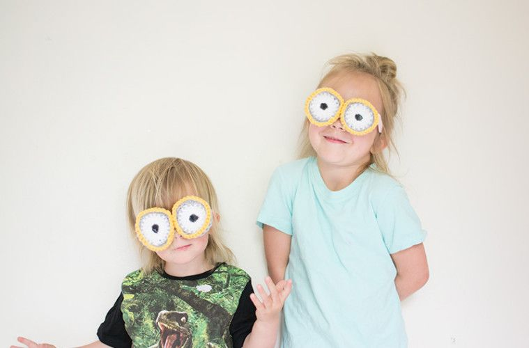 MINION GOGGLES: How To Crochet Your Own!