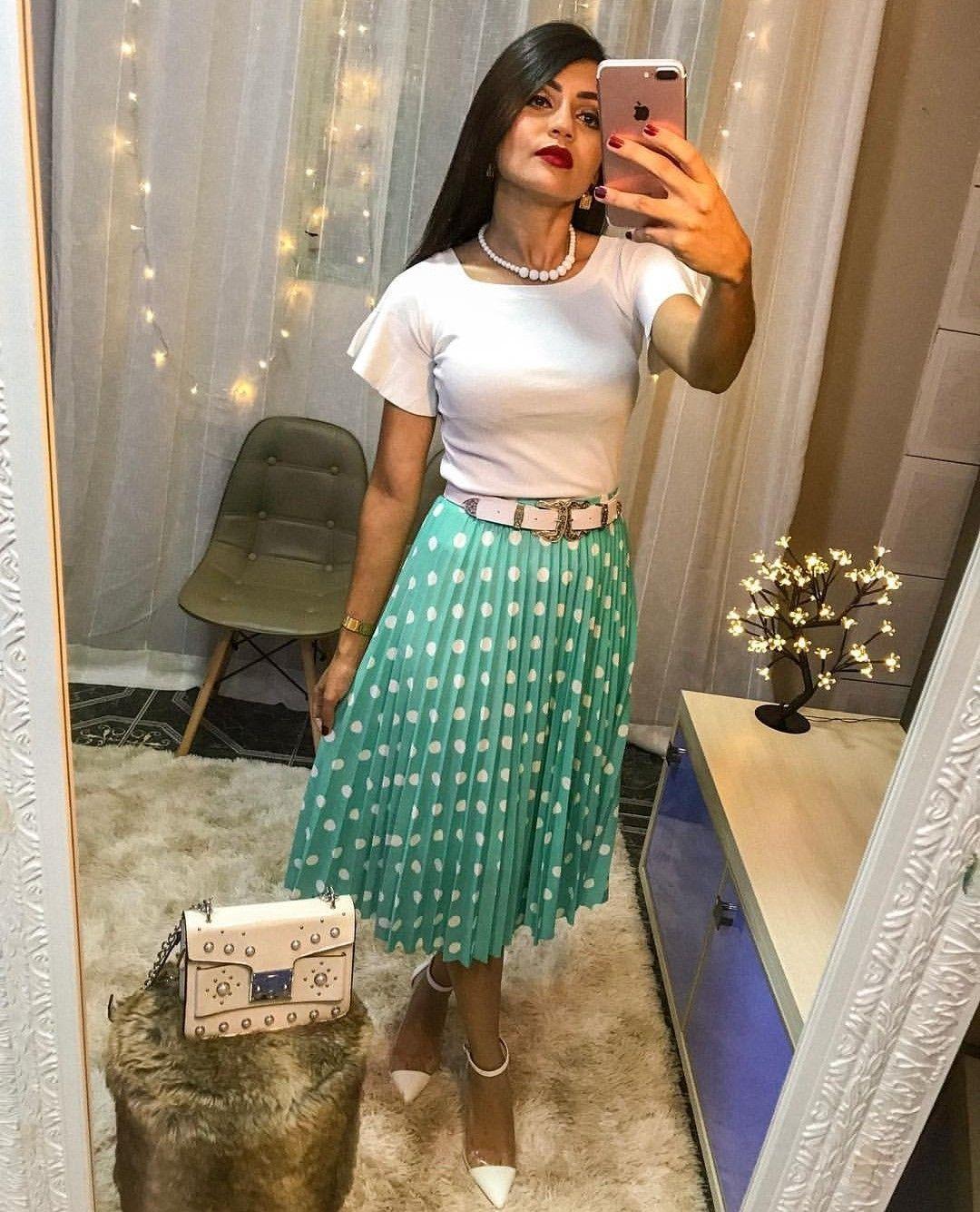 86e597e7232 Pin de Rayane Mikaely em Look Cristão em 2019