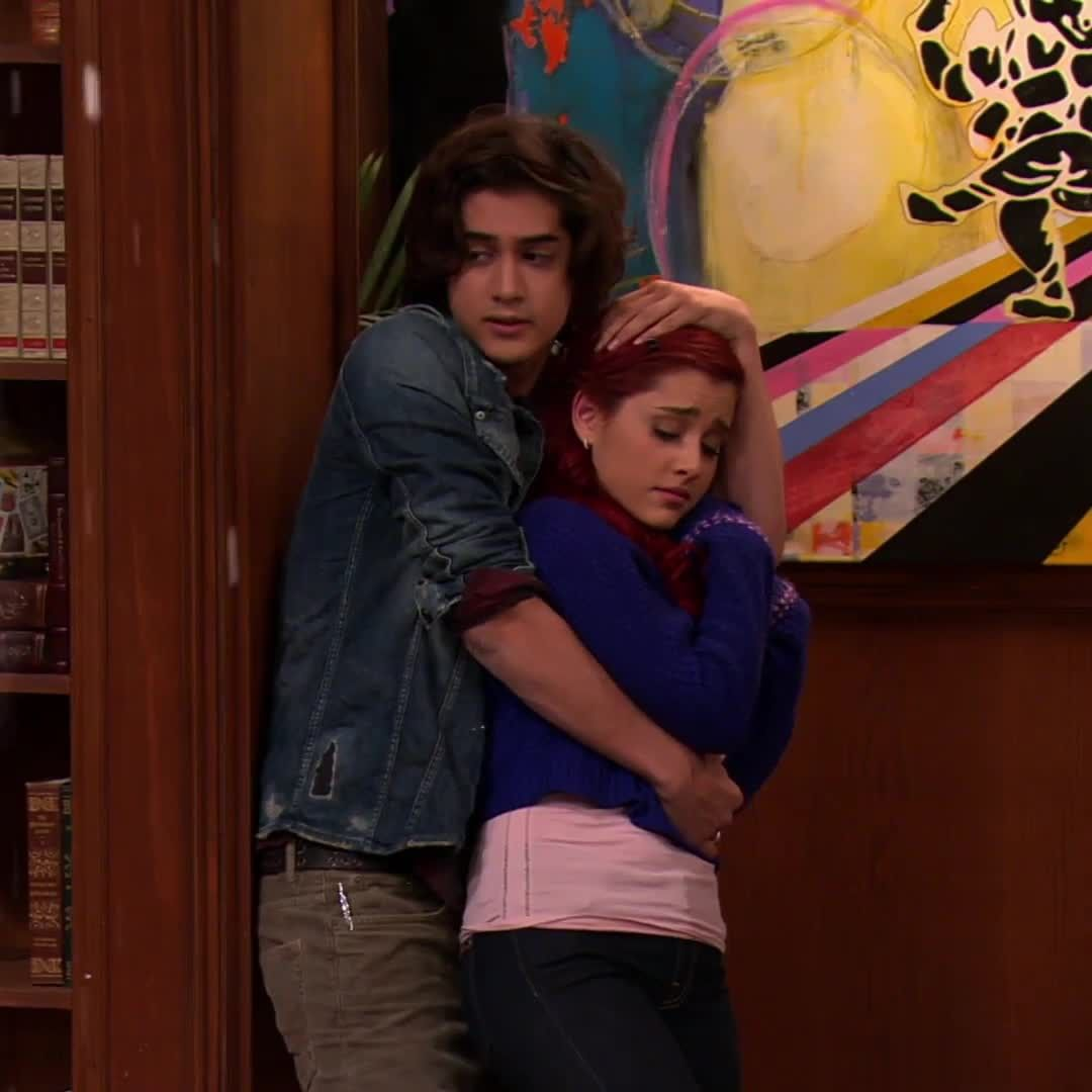 Teennick On Instagram Get Yourself A Friend Like Beck But Don T Slap Em Victorious Victorious Nickelodeon Victorious Cast Victorious Tori