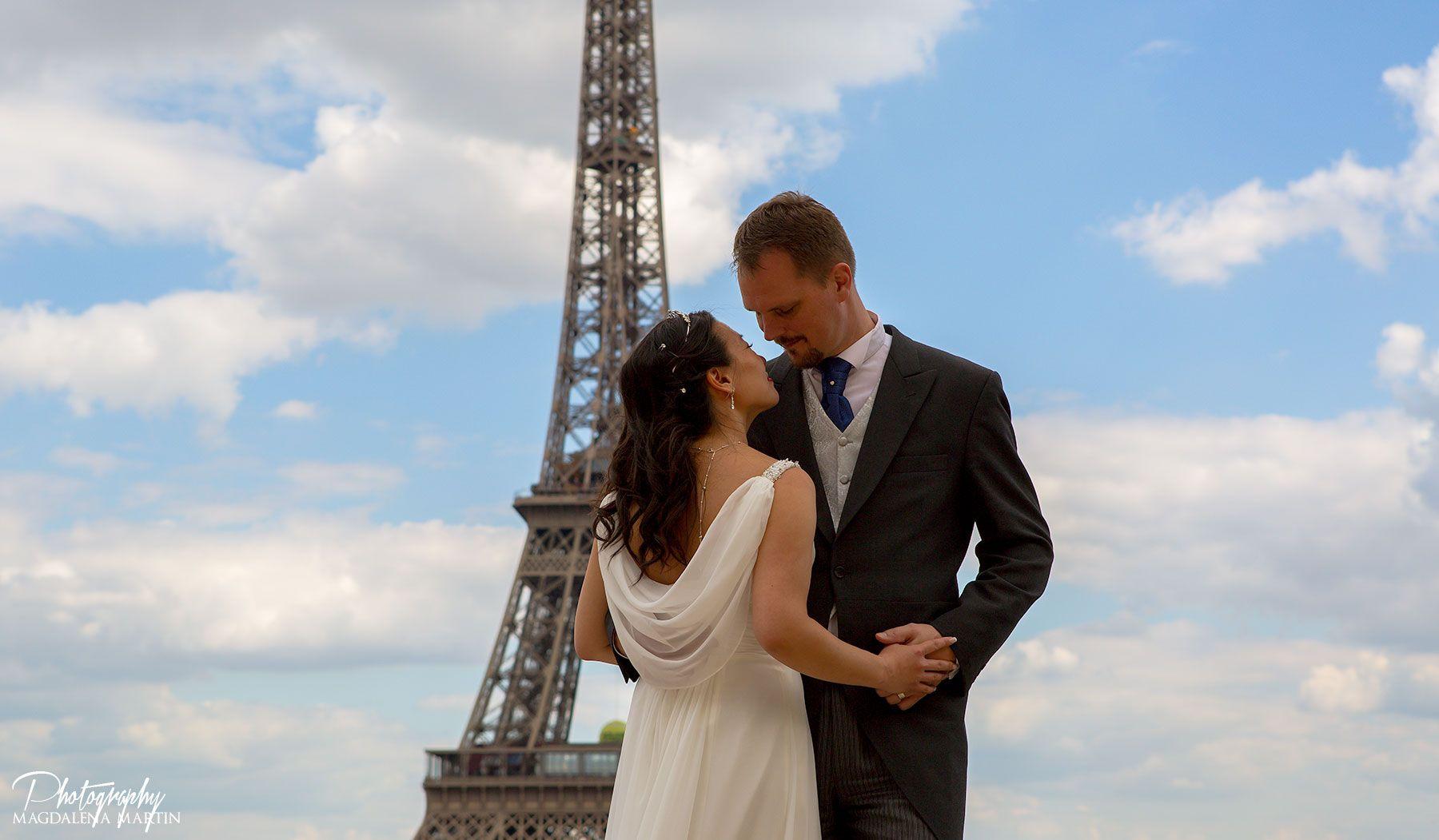 ©Photographer #MagdalenaMartin #MMPhotoart #Paris #romantic #wedding #eiffel #marriage #elopement #eiffeltower #parisphotography #Paris elopement, #Paris elopement, #paris #wedding #elopement, #marriage in paris, #photographer in Paris, #weddinginParis, #Frenchweddings