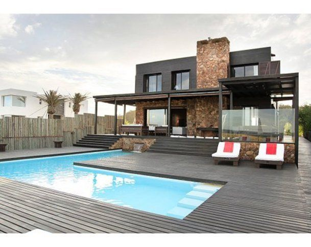 Ocean front 5 bedroom modern house located in a quite place in