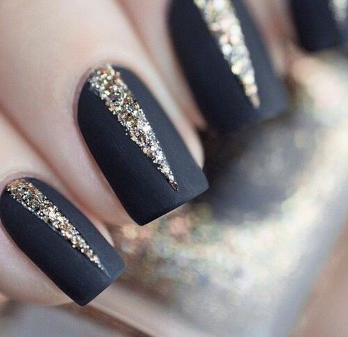 deco nail gel black and gold, how to choose an easy nail decoration