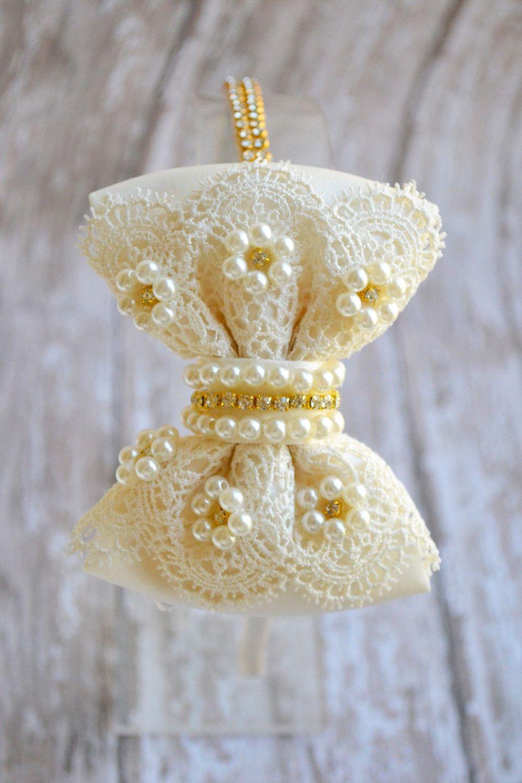 La muchacha de flor diadema pieza de la por - Diademas de encaje ...