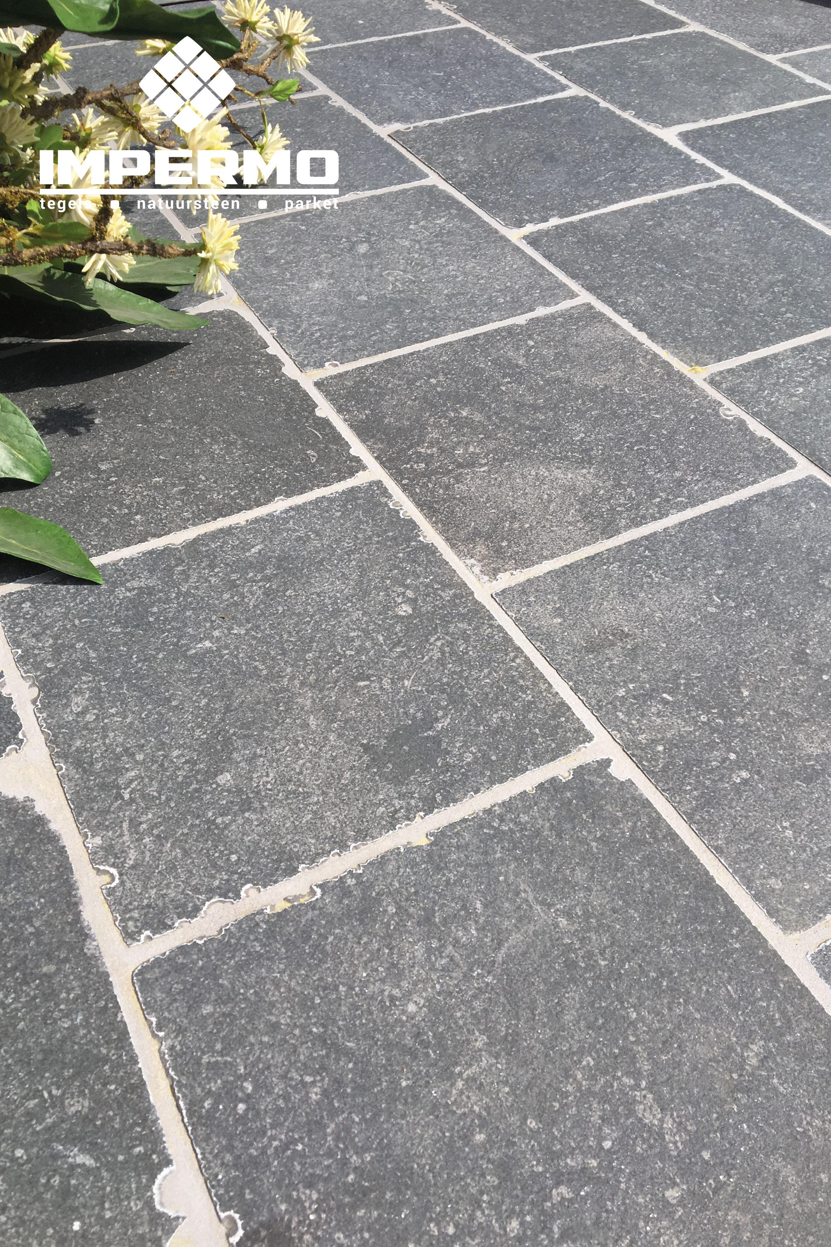 Terrastegels Blauwe Steen.Tilestone Essentials Blue Stone Terrastegels Keramische
