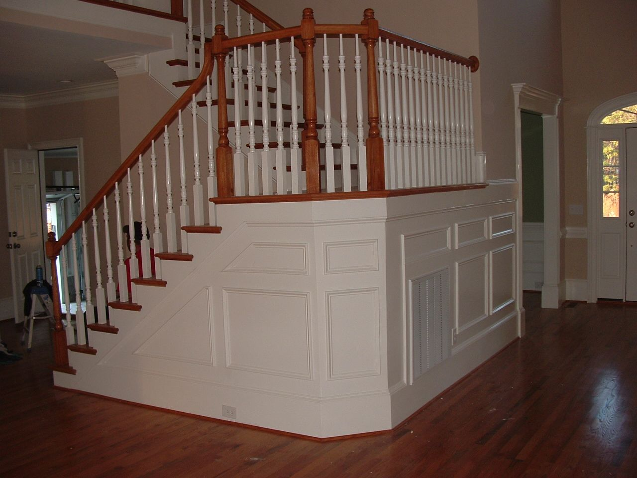 01 wainscot shadow boxing under landingjpg 1280960 pixels