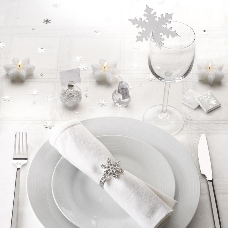 Talvihää koristeluja