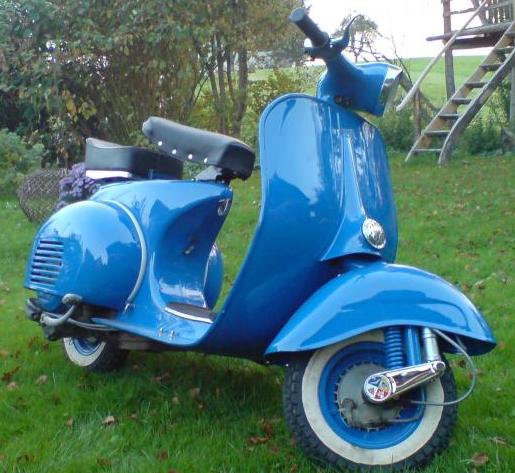 Vespa: RAL 5005 Signalblau | Vespa, Vintage vespa, Vespa